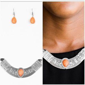 VERY VENTUROUS ORANGE NECKLACE/EARRING SET